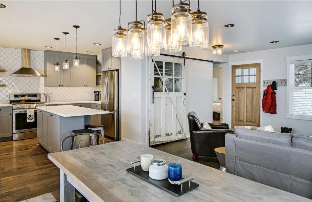 Roslyn Digs airbnb vrbo rental