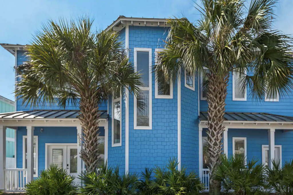 Avery Carl, Destin, FL beachfront Airbnb